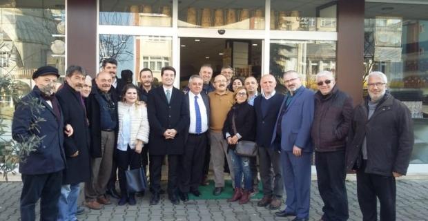 CHP Trabzon Milletvekili Ahmet KAYA ve Vakfıkebir CHP belediye başkan adayı Emin Uludüz ile birlikte Vakfıkebir de bir dizi esnaf ziyaretinde bulundular.