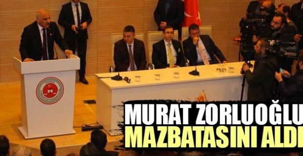 Trabzon'un yeni Belediye Başkanı Murat Zorluoğlu mazbatasını aldı