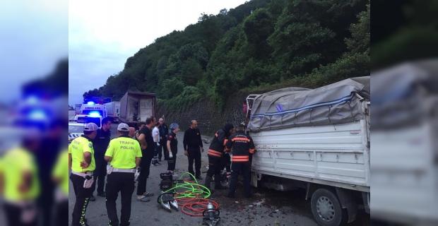 Beşikdüzü'nde Trafik kazası 2 Ölü